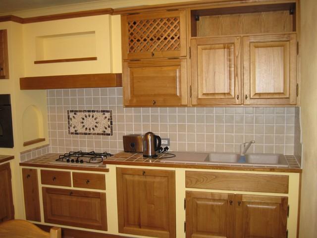 Cucina in muratura cucine f lli lusardi di ferdinando snc - Sportelli cucina muratura ...