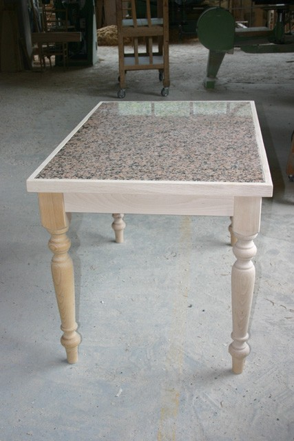 Tavolo Cucina Con Piano In Granito.Tavolo Rustico Granito Tavoli F Lli Lusardi Di